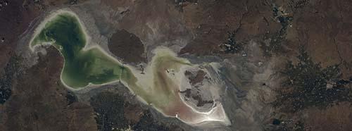Der Urmia See wird immer kleinerseine Ausdehnung beträgt nur noch 12 Prozent seiner maximalen Grösse in den 1970er Jahren.