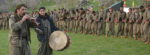 KämpferInnen der kurdischen PKKGuerilla, März 2015.