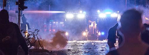 Schanzenviertel in Hamburg in der Nacht von Samstag zu Sonntag zum G20 Gipfel.