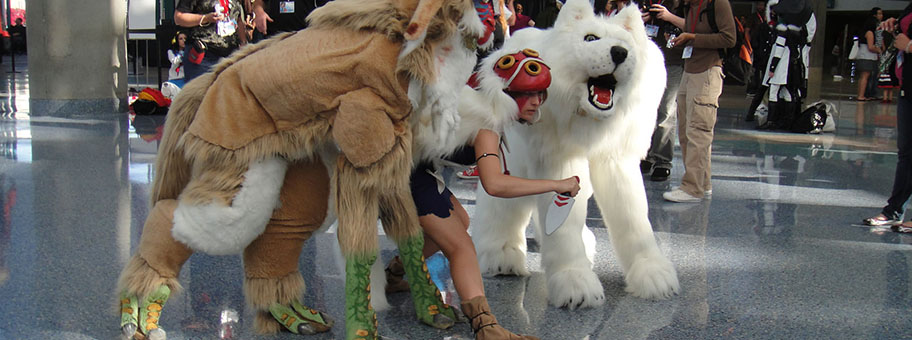 Figuren aus dem Film Mononoke, Anime Expo 2010, Los Angeles, USA.