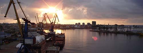 Der Hafen von Batumi, Georgien.