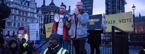 Protest in London im Zuge des Cambridge Analytica und Facebook Skandals.