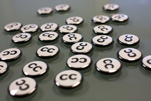 Creative Commons Buttons.