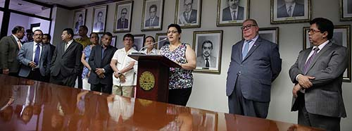 Im Oktober 2016 präsentiert die FMLNAbgeordnete Lorena Peña (hier in San Salvador im Februar 2016) einen Vorschlag zur Liberalisierung des Gesetzes, bei dem in vier Fällen eine Abtreibung straffrei möglich wäre.