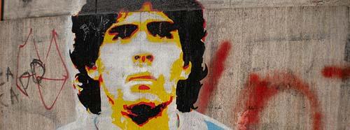 Graffiti von Diego Maradona im Quartier von La Boca, Buenos Aires, Argentinien.