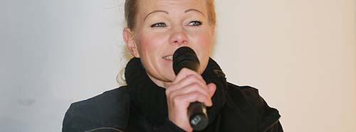 Schon 2015 wurde bekannt, dass der ExMann der früheren PegidaFrontfrau Kathrin Oertel (hier an einer Pegida Demonstration in Dresden am 05.01.2015) ein LKAMitarbeiter ist.