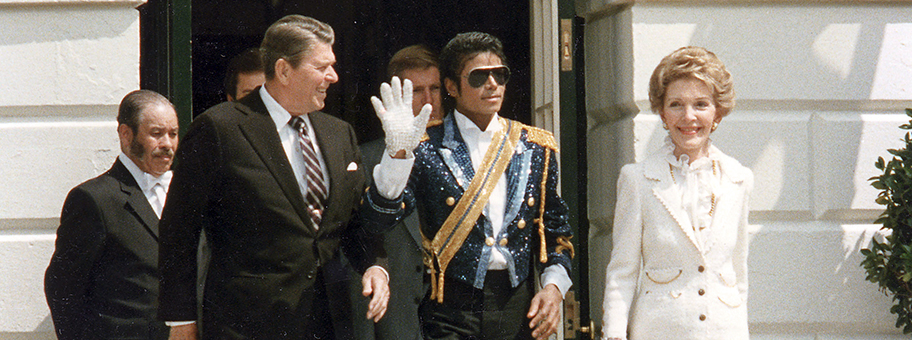Michael Jackson mit Ronald und Nancy Reagan am 14.