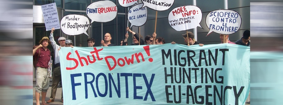 Migrant_hunting_EU_agency_-_Shut_Down_FRONTEX_Warsaw_2008_1.jpg