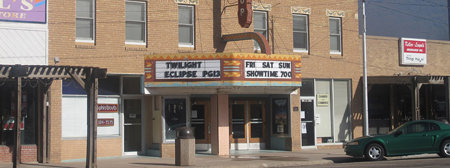 Twilight im Northrup Theater, Syracuse, Kansas.