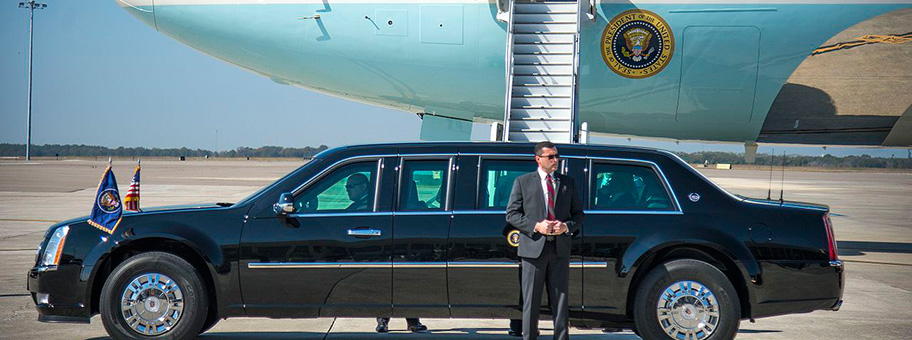 Limousine von Donald Trump vor der Air Force One, Februar 2017.