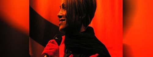 Sabrina Setlur an einem Konzert in Wiesbaden, November 2007.