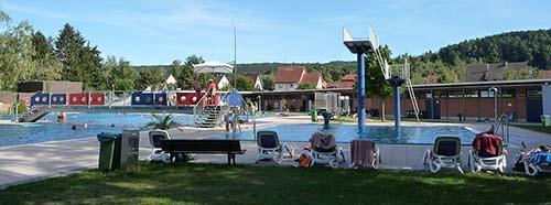 Schwimmbad Alsenborn.