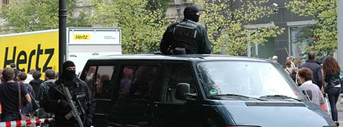 Sicherheitsschutz der Polizei an der Kundgebung des Zentralrats der Juden unter dem Motto «Steh auf!