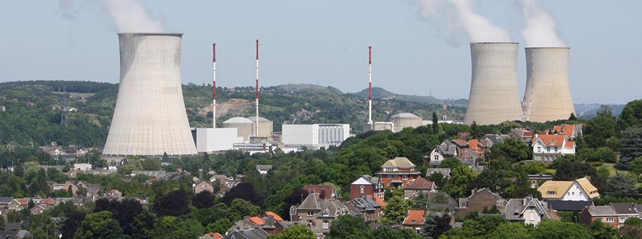 Das Atomkraftwerk Tihange bei Huy, Belgien.