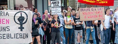 Demonstrant*innen gegen den «Marsch für's Läbe» 2019.